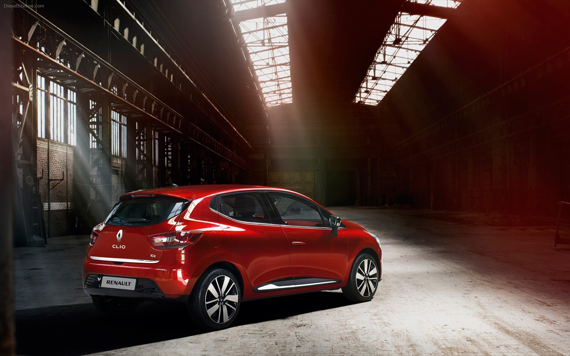 Renault-Clio-2013-images-widescreen-17