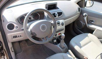 Renault Clio III Initiale Paris 1.5 dCi 105 KS full